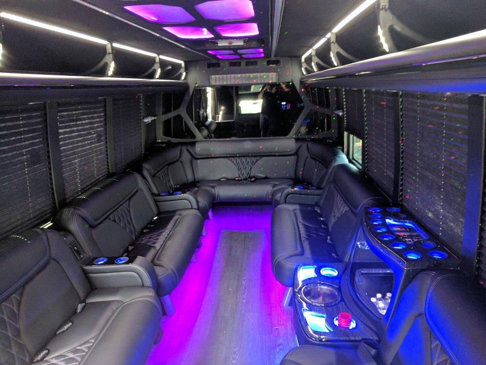 Oriente Lux Limousine: 100 School St, Danville, CA