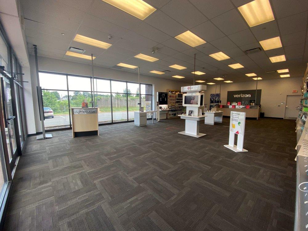 Verizon Authorized Retailer - GoWireless: 1700 Tilden Ridge Dr, Hamburg, PA