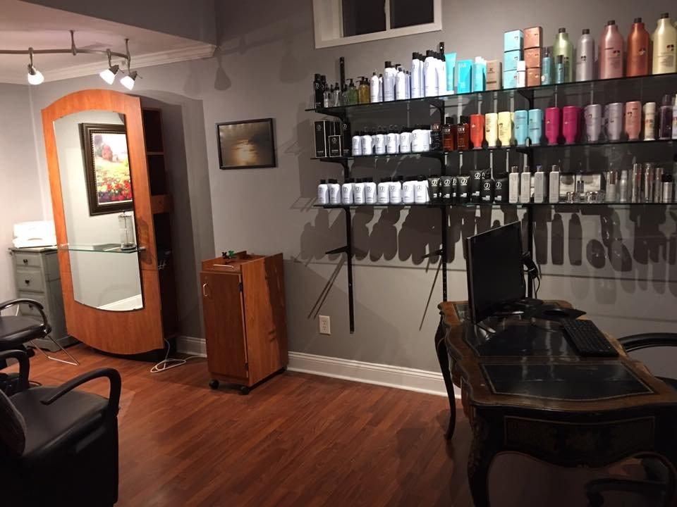 Rusty's Hair Salon: 17176 Westfield Pl, Hamilton, VA