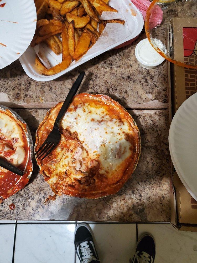Porto Village Pizza: 2811 E Slauson Ave, Huntington Park, CA