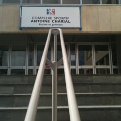 Complexe sportif antoine charial salles de sport 102 for Piscine charial