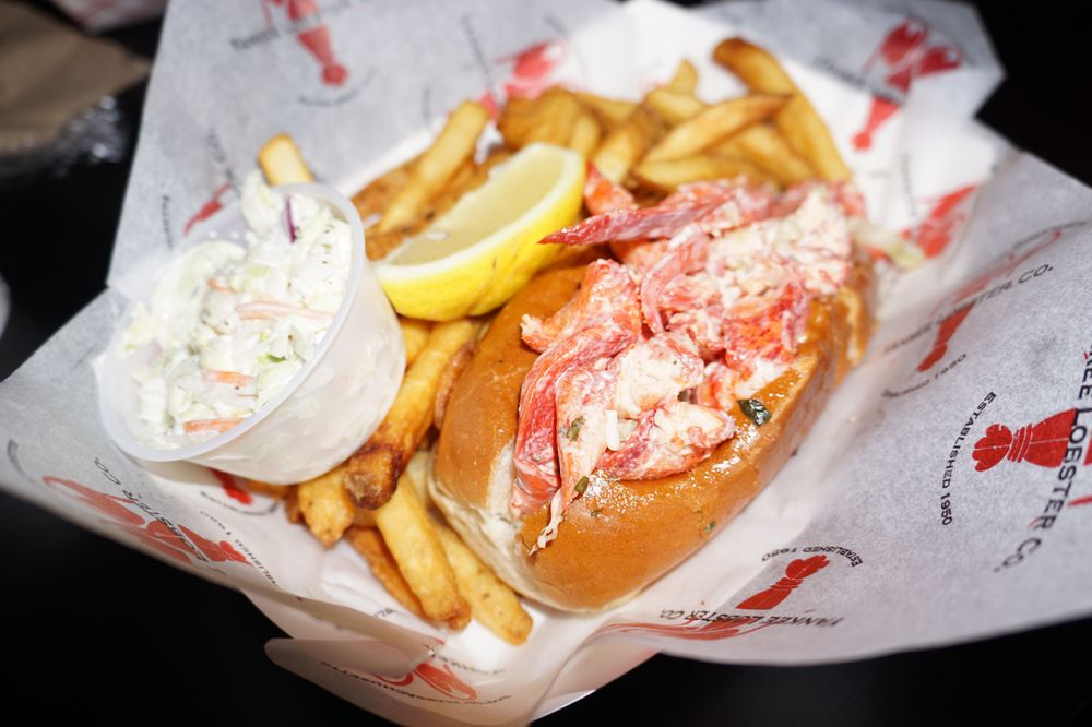 Yankee Lobster: 300 Northern Ave, Boston, MA
