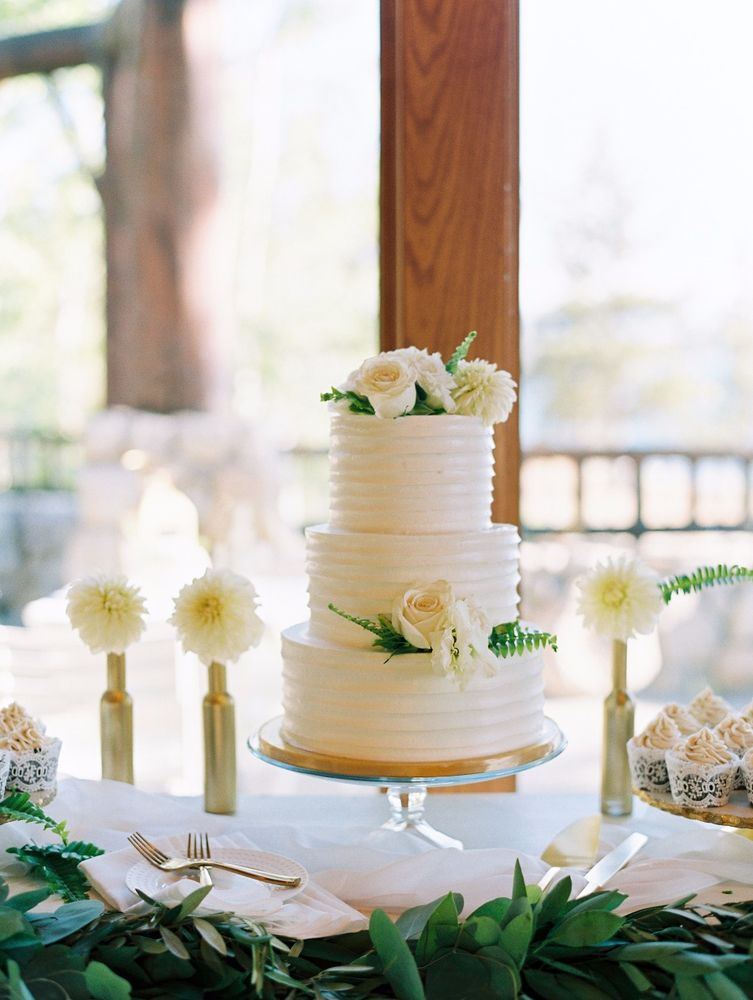 Flour Girl Wedding Cakes