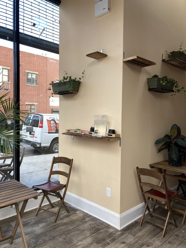 Day's Cafe: 951 Dean St, Brooklyn, NY