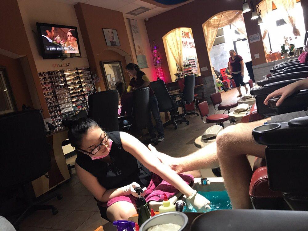 Texans Nails And Spa