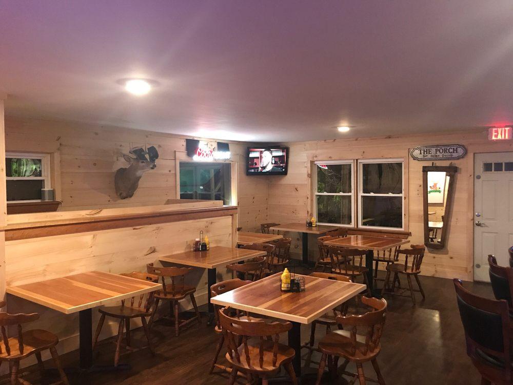 Bucky's Pub: 104 Ballards Corner Rd, Hinesburg, VT