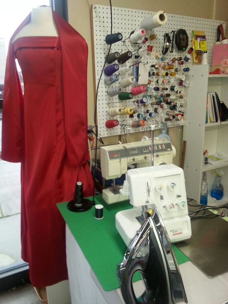 All Alterations & Second Hand Store: 147 NE 43rd Ave, Hillsboro, OR