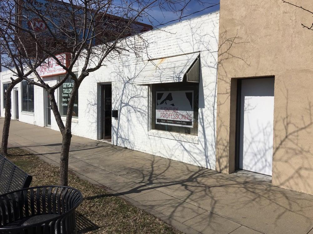 The Furniture Professionals: 6825 Douglas Ave, Urbandale, IA