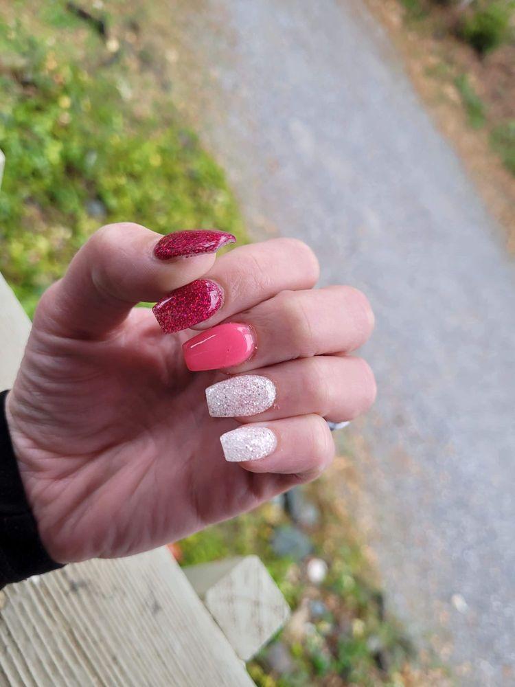 Rose Nails: 900 Dana Dr, Redding, CA