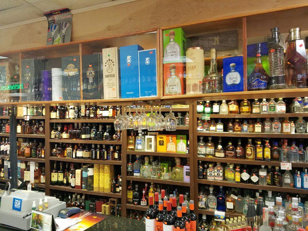 Daily 14 Liquors: 1135 14th St NW, Washington, DC, DC