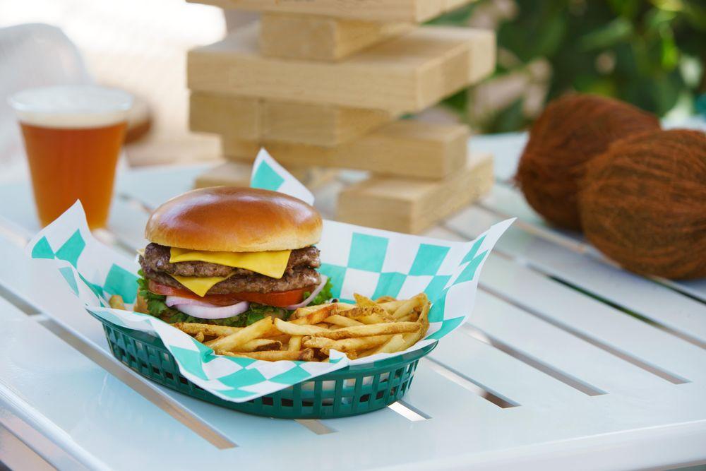 Coconut Charlie's Beach Bar & Grill: 6100 Gulf Blvd, St Pete Beach, FL