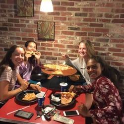 Freedas Pizza Calzones 24 Photos 52 Reviews Pizza 38 Enon