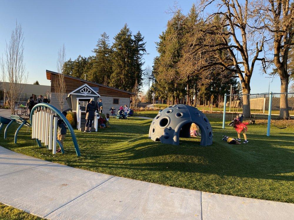 Cedar Hills Park: 2300 SW Cedar Hills Blvd, Beaverton, OR