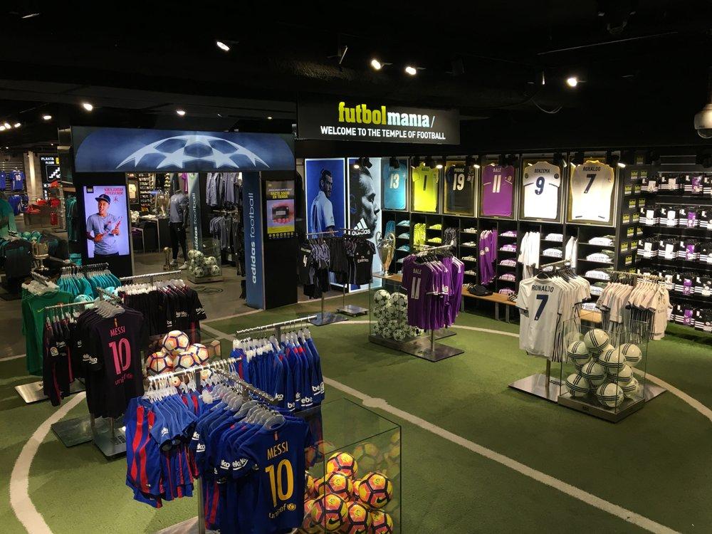 Futbolmania 19 fotos ropa deportiva plaza puerta del for Telefono puerta del sol