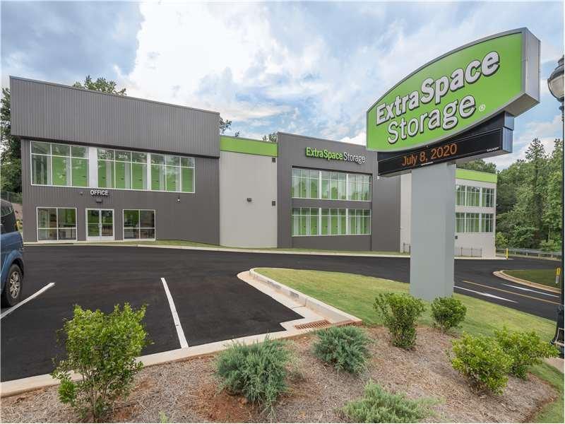 Extra Space Storage: 3076 Memorial Dr SE, Atlanta, GA