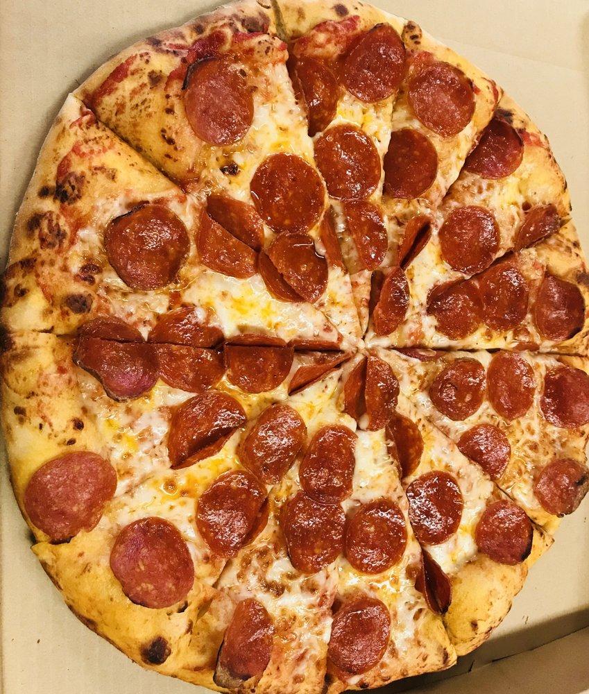 Walkers Pizza & Deli: 4939 E Washington St, Stockton, CA