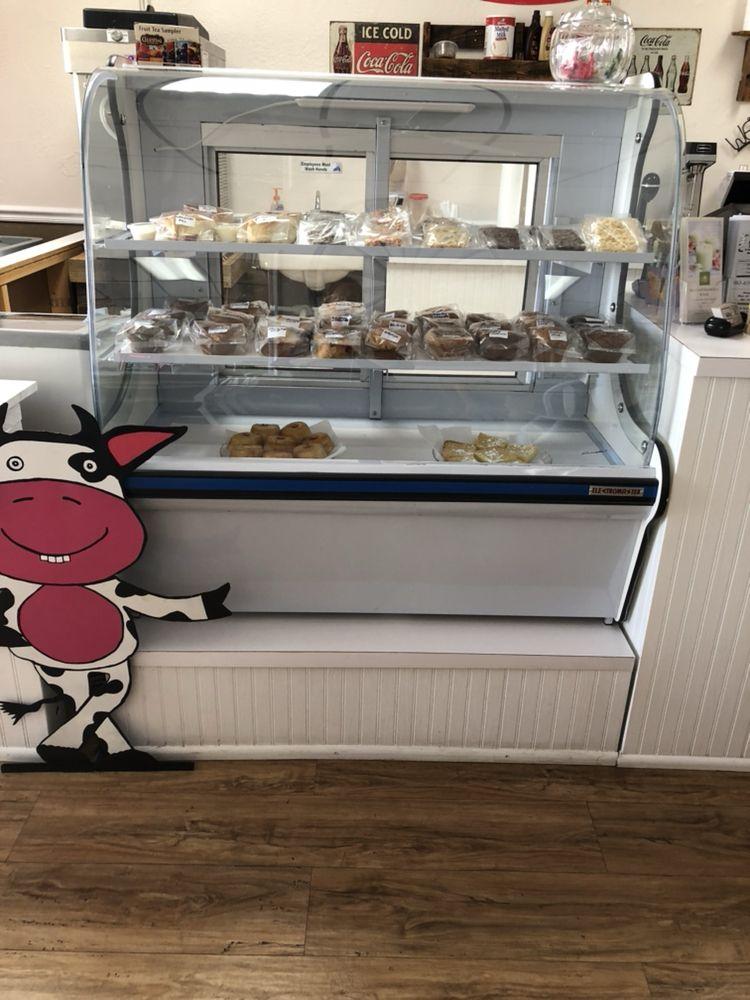 Cow Pie's 2: 210 North Main St, Lake Placid, FL