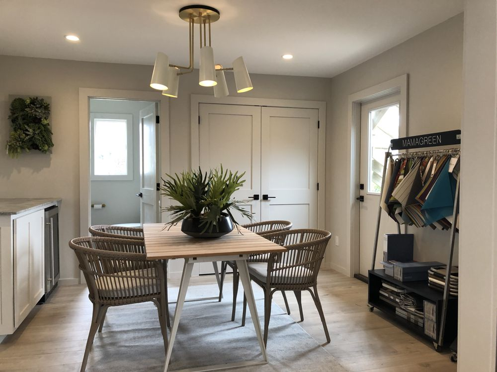 The Laurel Group: 910 Montauk Hwy, Water Mill, NY