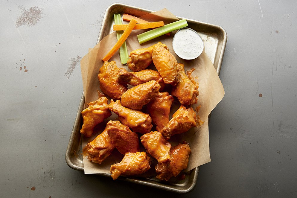 Buffalo Wild Wings: 3401 6th Ave SE, Aberdeen, SD