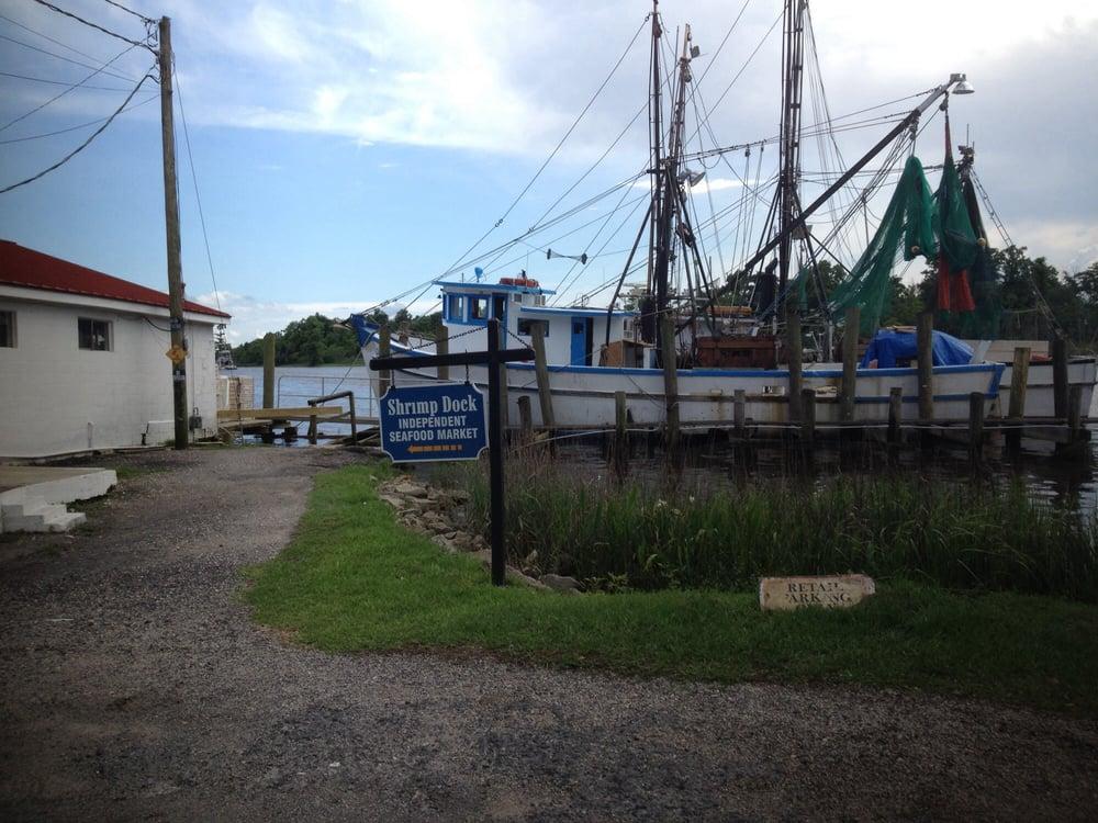Independent Seafood Market-Shrimp Dock: 1 Cannon St, Georgetown, SC