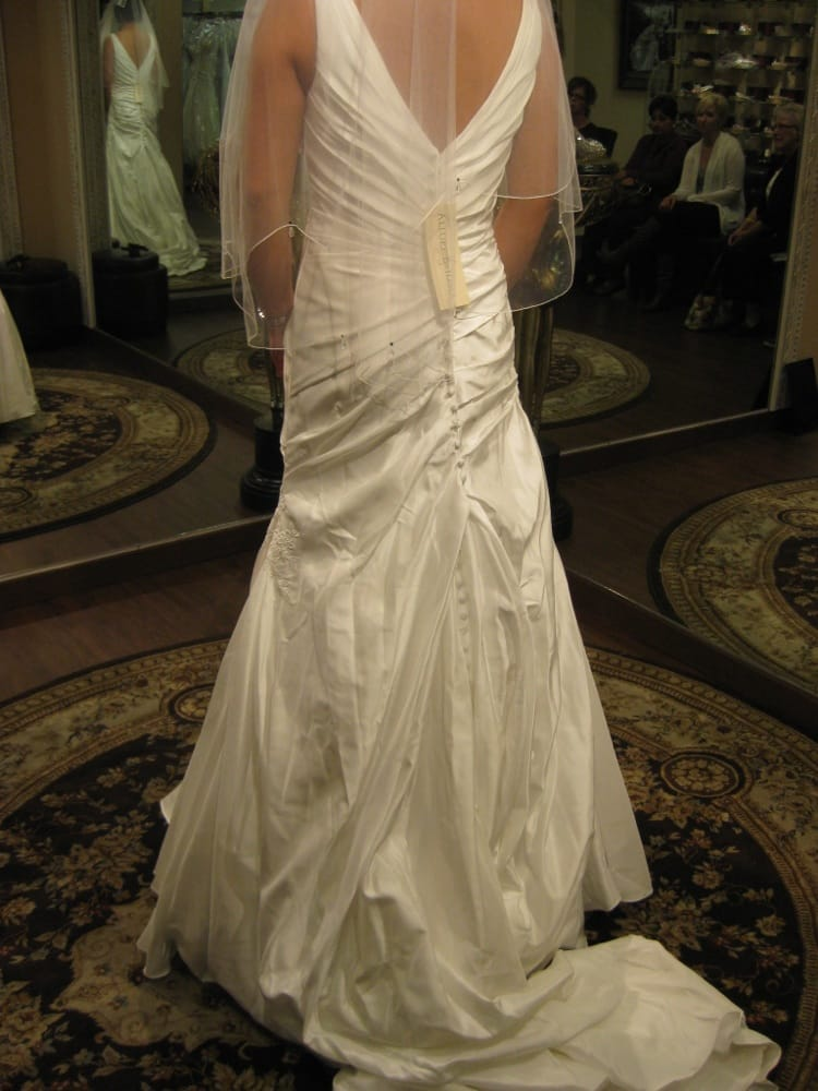 A z alterations 12 reviews sewing alterations 1211 for Wedding dress tailor near me