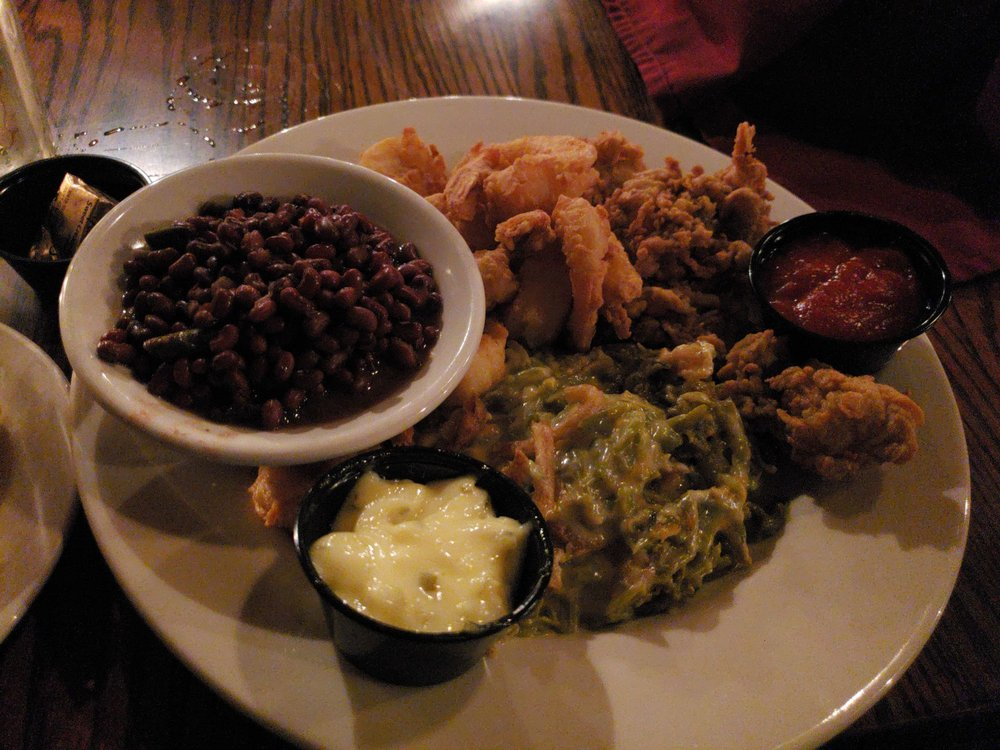 Clark's Inn and Restaurant: 114 Bradford Blvd, Santee, SC