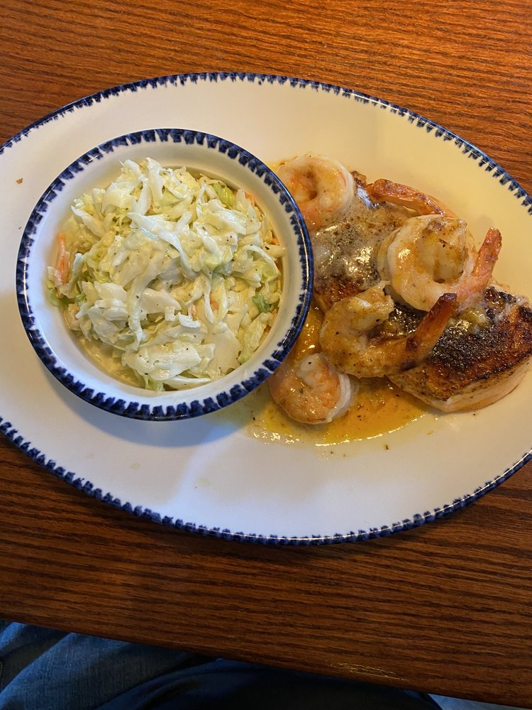 Red Lobster: 2920 W Division St, Saint Cloud, MN