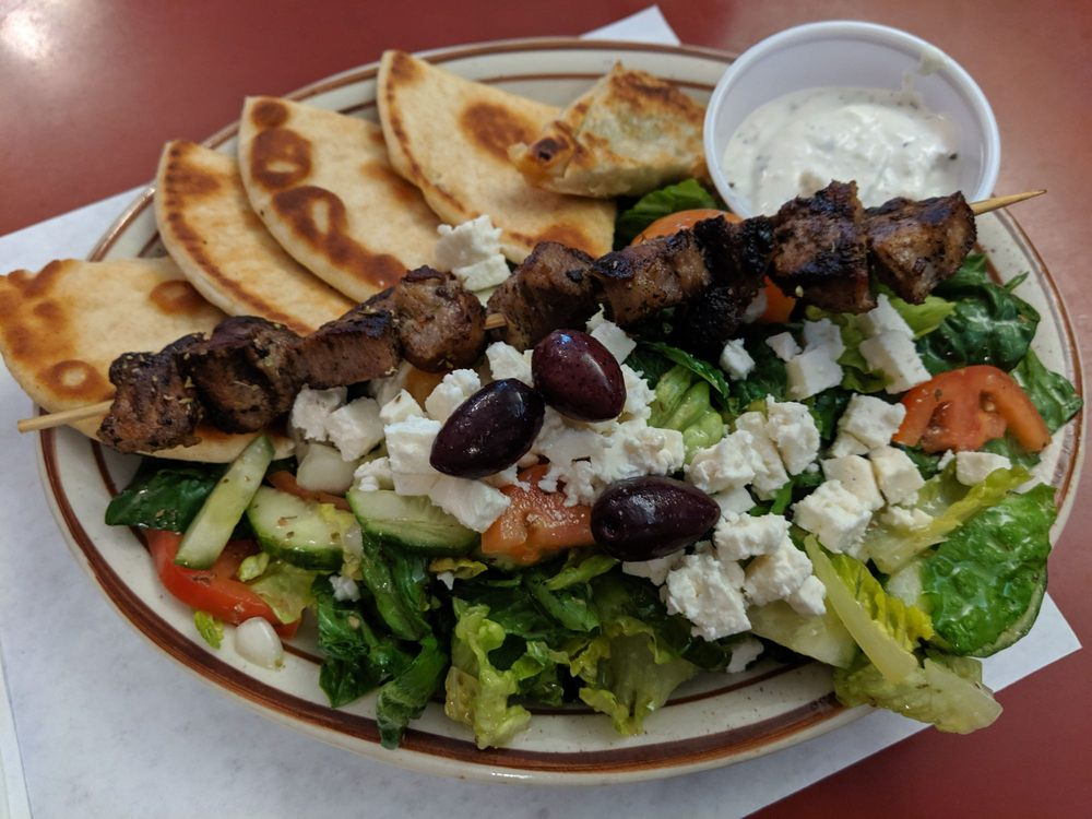 Sportsmen's Restaurant & Taverna: 509 E Howard St, Hibbing, MN