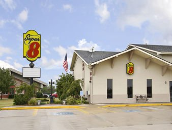Super 8 by Wyndham Keokuk: 3511 Main St, Keokuk, IA