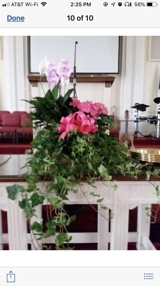 The Flower Basket: 28 NW Broad St, Metter, GA