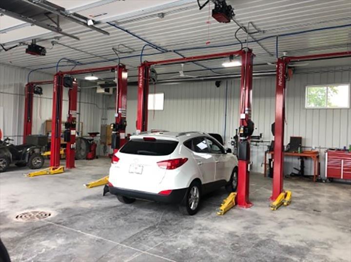 Legacy Auto Sales: 714 N Watertown Ave, Jefferson, WI