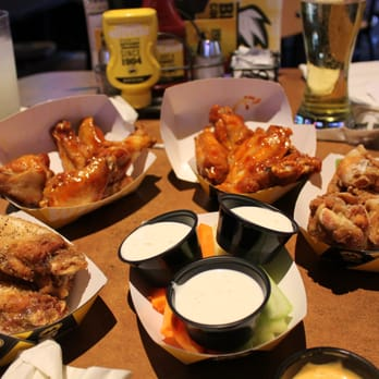 Buffalo Wild Wings 54 Pos 122 S En