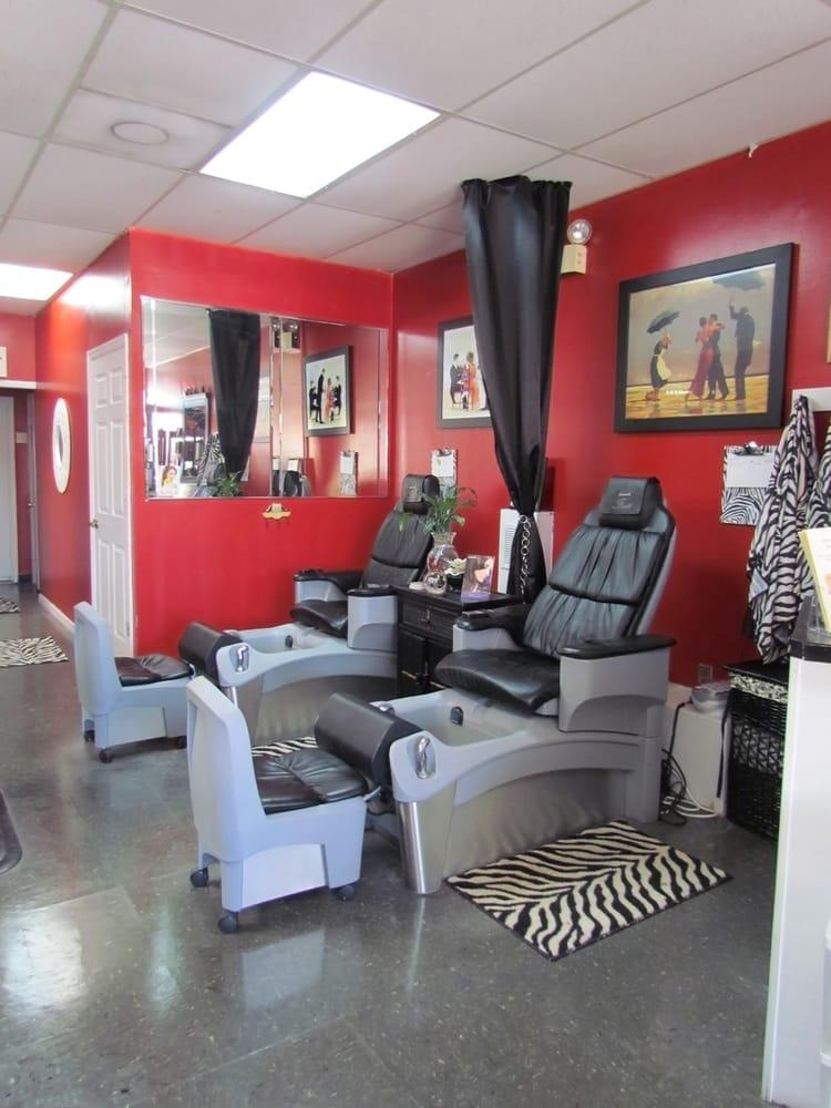 Off 7th hair nail studio hair salons 729 7th st w for 7th street salon