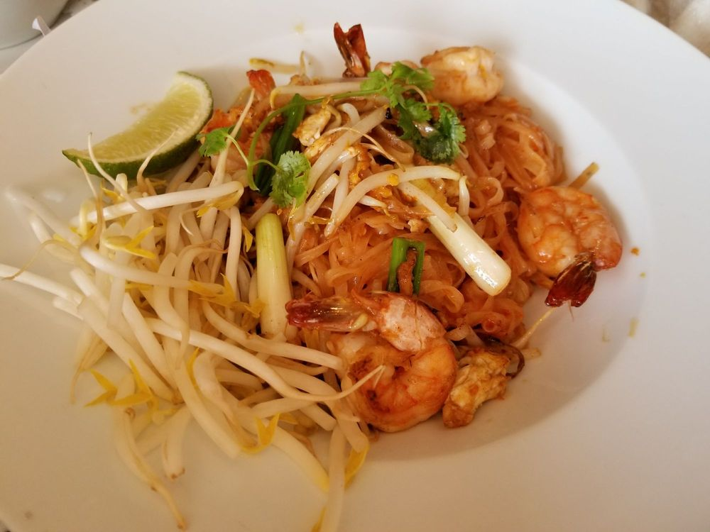 Thana Thai Kitchen: 882A Massachusetts Ave, Arlington, MA