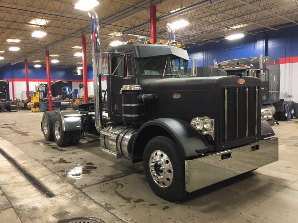 Hatcher Mobile Services: 7887 F St, Omaha, NE