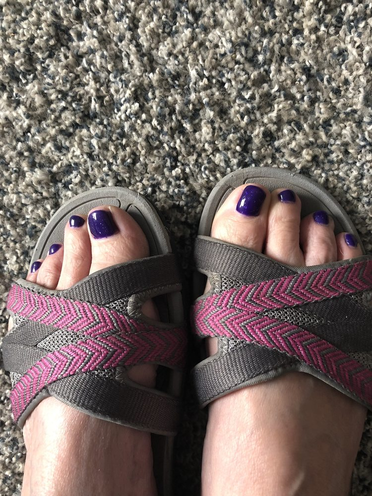 Hole In The Wall Nails: 29740 Ellensburg Ave, Gold Beach, OR