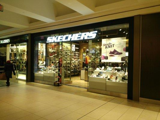Skechers Shoe Stores 1800 Sheppard Avenue E, Toronto, ON