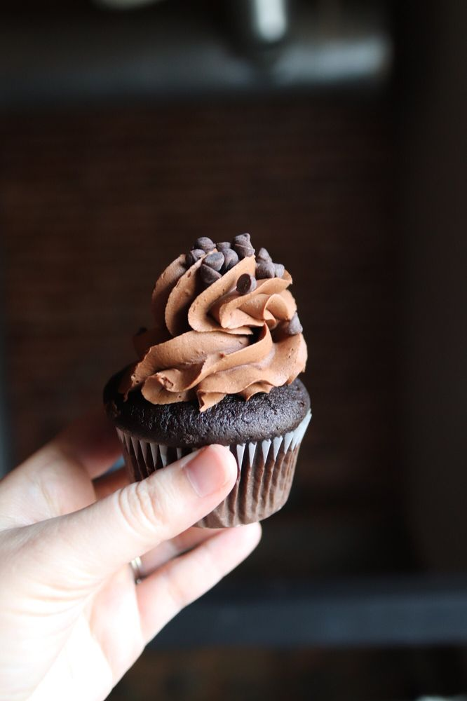 Cakes By Debbie: 12 Greenville St, Newnan, GA