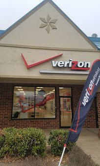 Verizon Wireless - The Wireless Center: 6366 Village Center Dr, Bealeton, VA