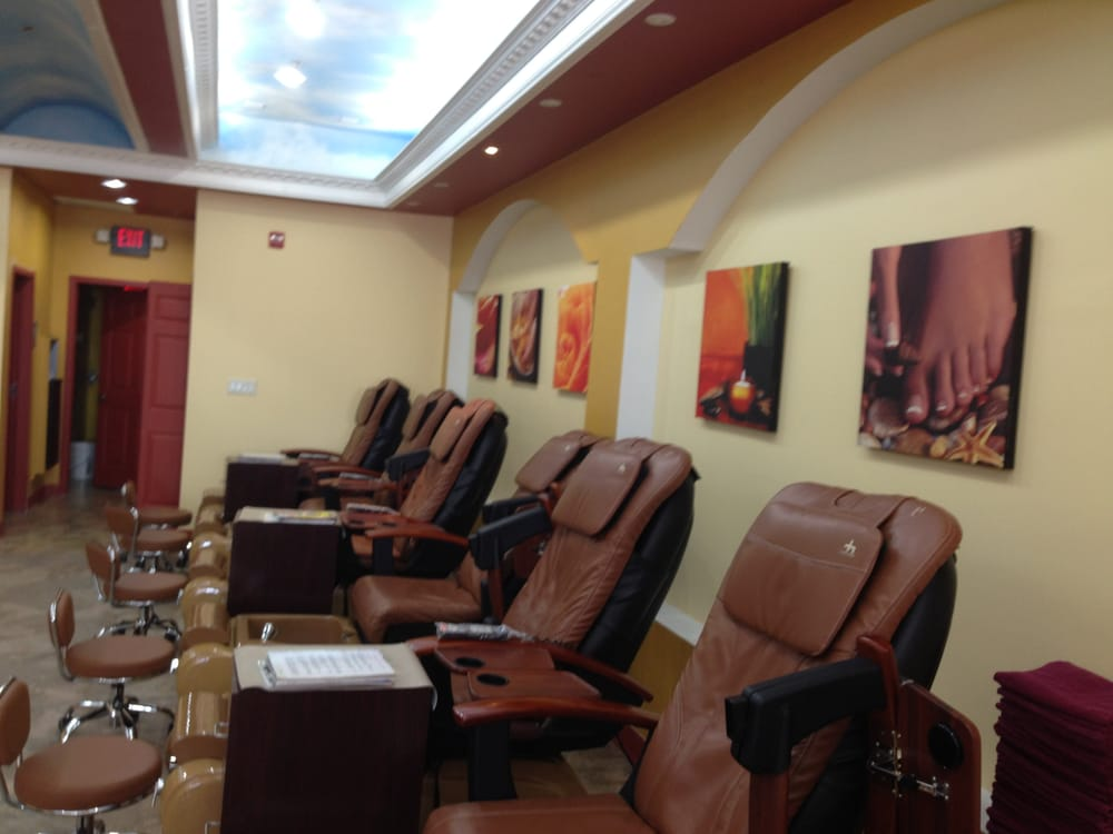 Sydney nail spa 11 reviews nail salons 211 e for A q nail salon collinsville il