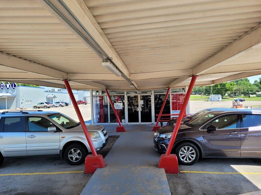 Shopper's Kitchen: 4140 SW Huntoon St, Topeka, KS