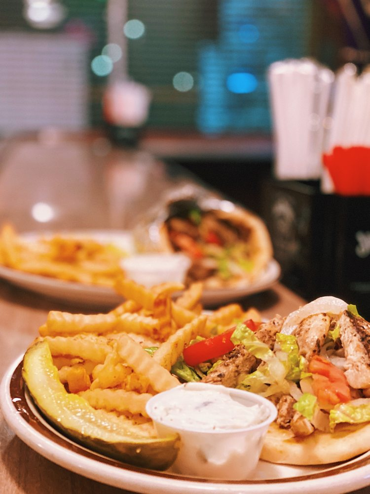 City Club Restaurant & Lounge: 25905 Lorain Rd, North Olmsted, OH