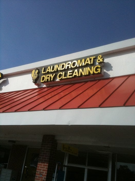 Busy Bee Laundry & Drycleaning: 771 Roosevelt Trl, Windham, ME