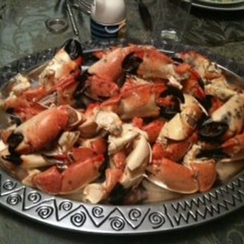 Delaware chicken farm seafood market dress code for Fish market fort lauderdale