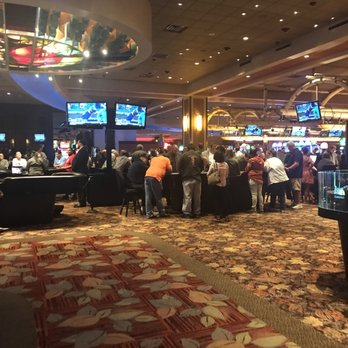 Free drinks at michigan casinos harolds casino gun collection