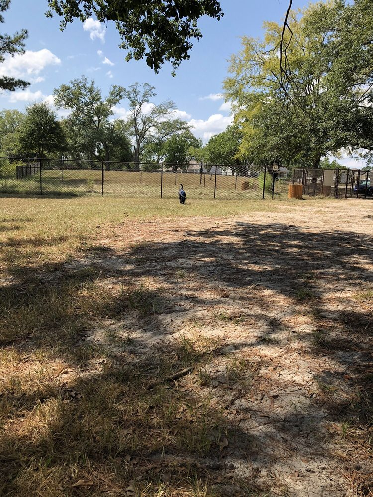 Robins AFB Dog Park: 1101-1125 Crescent Dr, Robins Air Force Base, GA