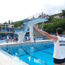 Piscine municipale swimming pools 2 rue de la corniche for Piscine les gets