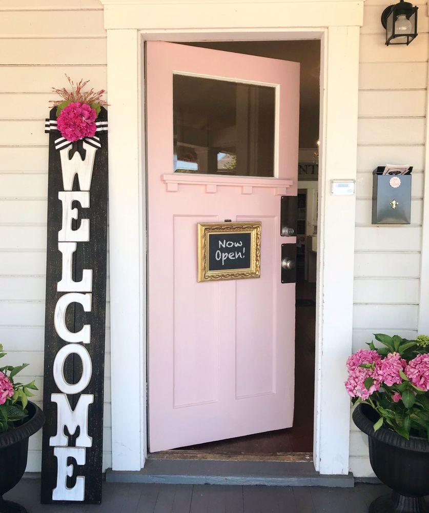Pink Door Boutique: 21561 Main Street Aurora Or, Aurora, OR