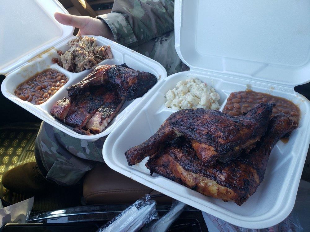 Sho Nuff Smokin' Good BBQ: 4827 W 15th St, Hinesville, GA