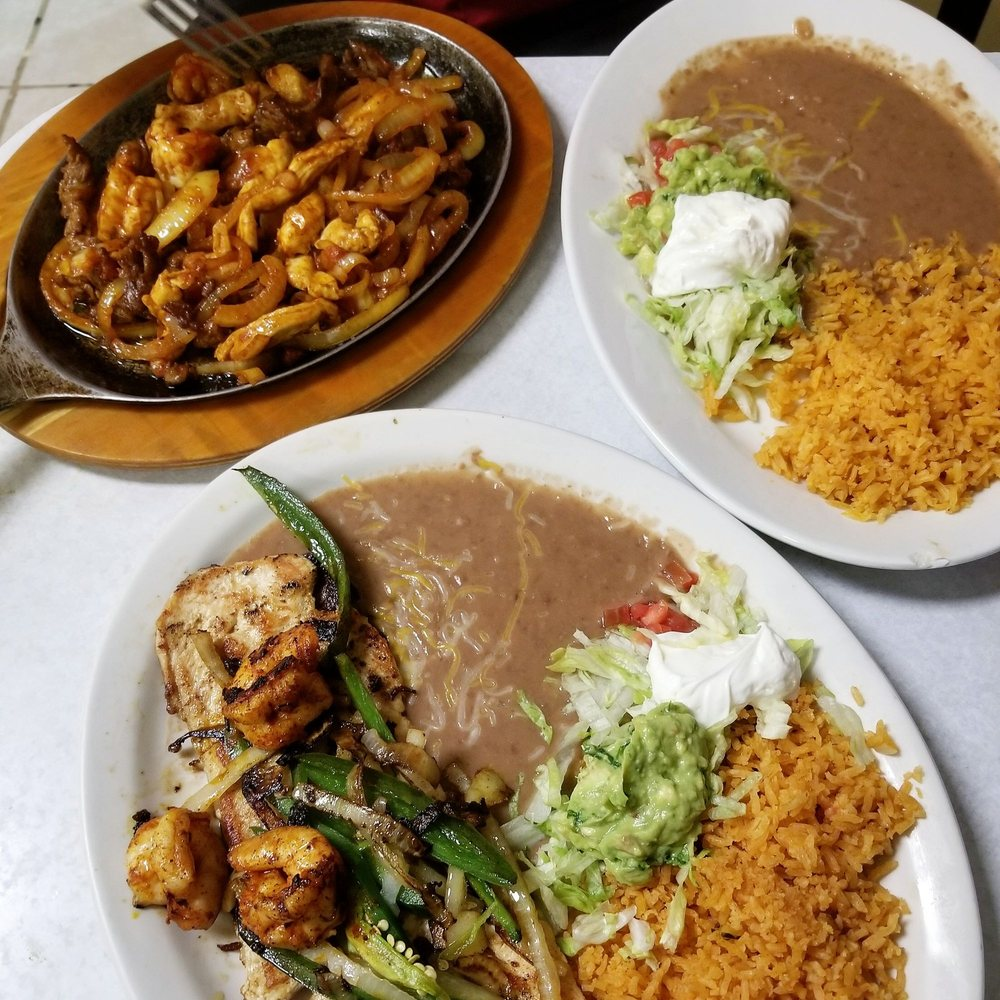 Food from El Chaparro